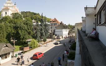 Uliczki Kazimierza w weekendy zaludniają się leniwie spacerującymi turystami