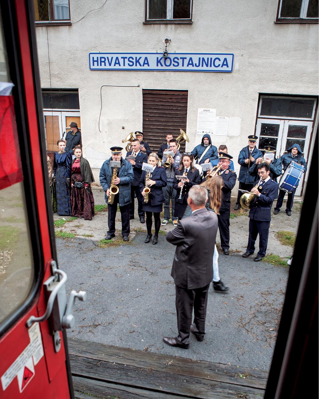 Dzień Niepodległości Chorwacji obchodzony na peronie