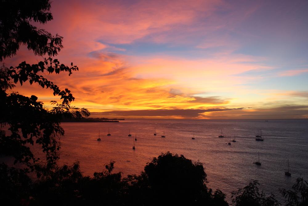 Grenada, zachód słońca na plaży